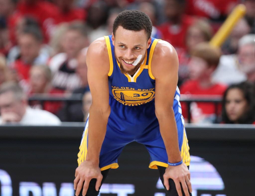 0d03592e963 Como o melhor jogador da NBA virou um problema para a Under Armour ...