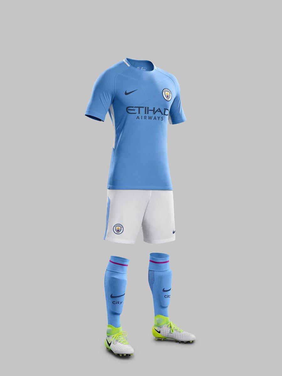 ab22a808a1f73 Uniforme completo do Manchester City para a próxima temporada (Divulgação  Manchester  City)