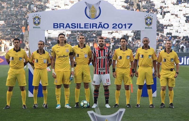 Uniformes da arbitragem são um problema no Campeonato Brasileiro ... 2e1a1c4220015