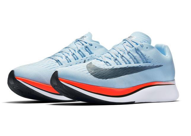 a2a484cf5f3 O Nike Zoom Fly aplica os princípios revolucionários do Nike Zoom Vaporfly  Elite – tênis usado pelos atletas de Elite na tentativa do Breaking 2 – em  um ...