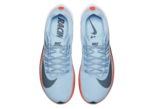455f5d4caf O Nike Zoom Fly aplica os princípios revolucionários do Nike Zoom Vaporfly  Elite – tênis usado pelos atletas de Elite na tentativa do Breaking 2 – em  um ...