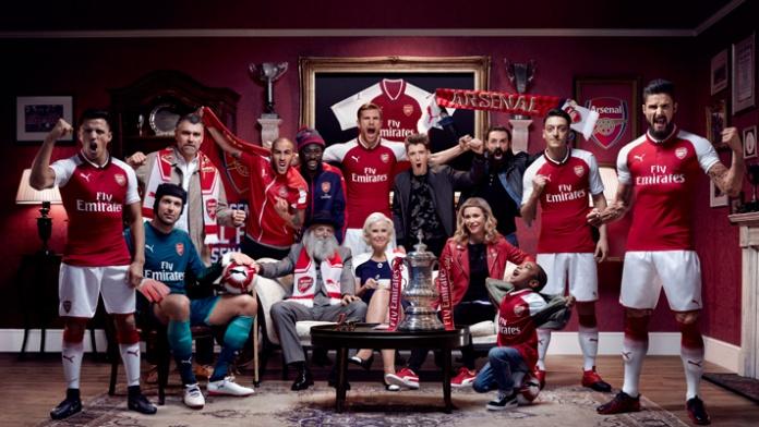 Os uniformes do Arsenal para a temporada 2017 2018 foram lançados nesta  quarta-feira (21). Para mostrar aos torcedores a nova camisa b4e6a4c7bb896