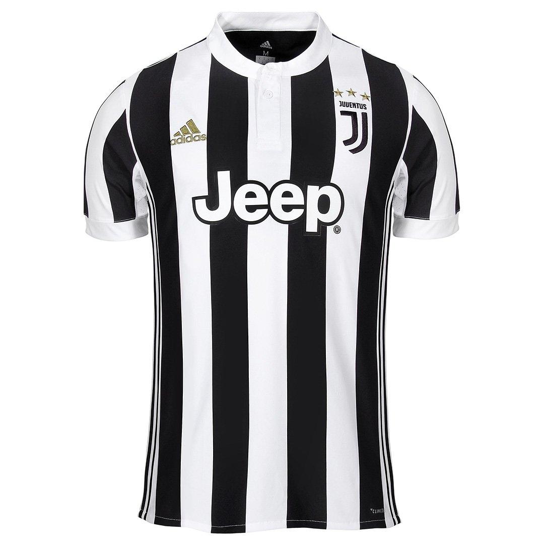 f050f42846208 As cores são as clássicas preta e branca. Mas o símbolo da Juventus é  totalmente renovado. O calção tem os mesmos pigmentos e leva o escudo à  frente.