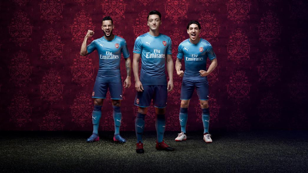 Arsenal divulga segundo uniforme para a temporada 2017 18 - 20 07 ... 0541f4af6bad0
