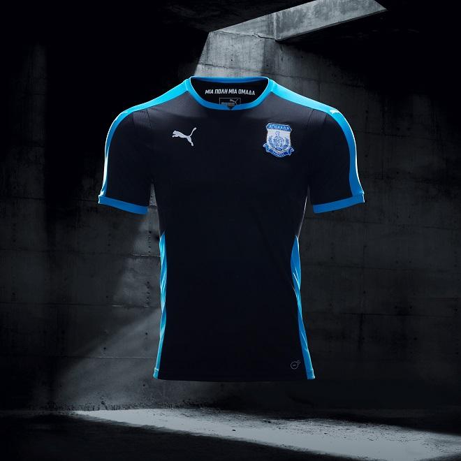 a4515a3749 Puma lança camisas pretas para 22 times de futebol ao mesmo tempo ...