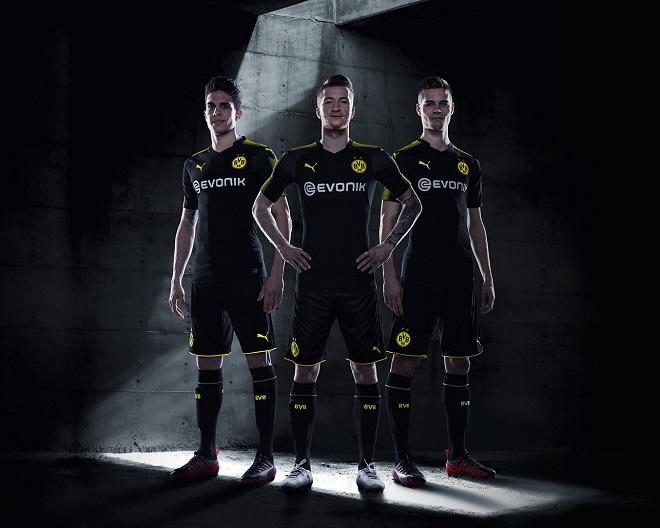 Puma lança camisas pretas para 22 times de futebol ao mesmo tempo ... 69e8271a76cd8