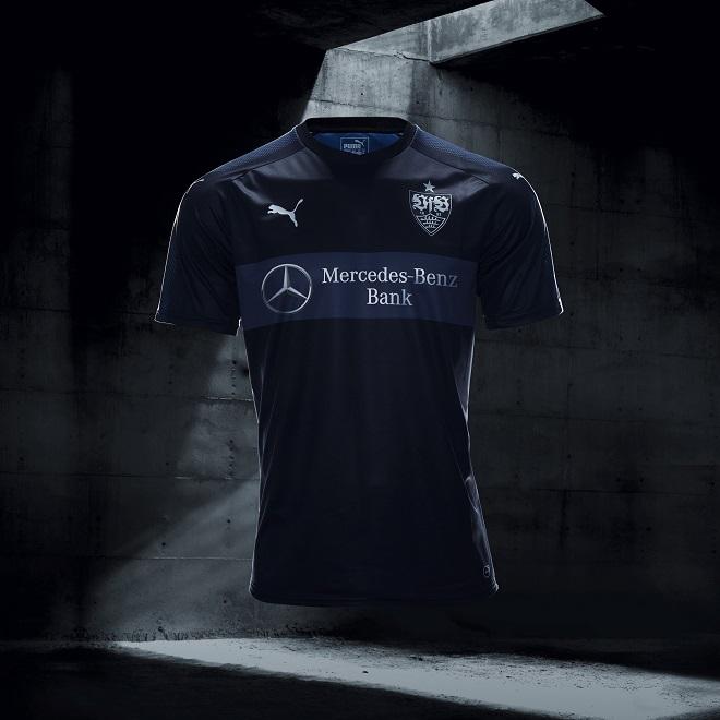 Puma lança camisas pretas para 22 times de futebol ao