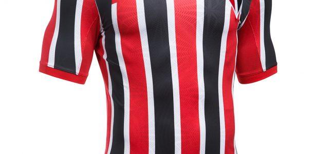 12b4d6ba05 São Paulo lança camisa 2 no clássico contra Santos neste domingo; veja  fotos - UOL Esporte