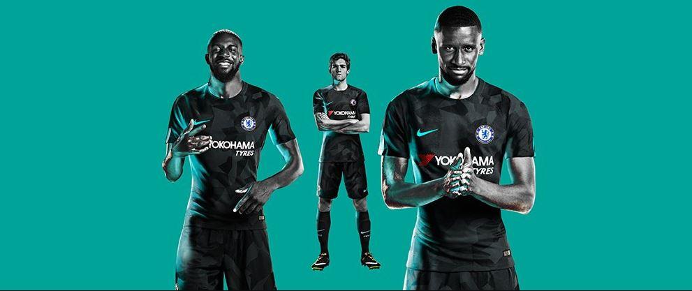 734a336bfb2ee A Nike manteve o padrão na maioria das novas terceiras camisas das equipes  nas quais fornece material esportivo. É o caso de Chelsea