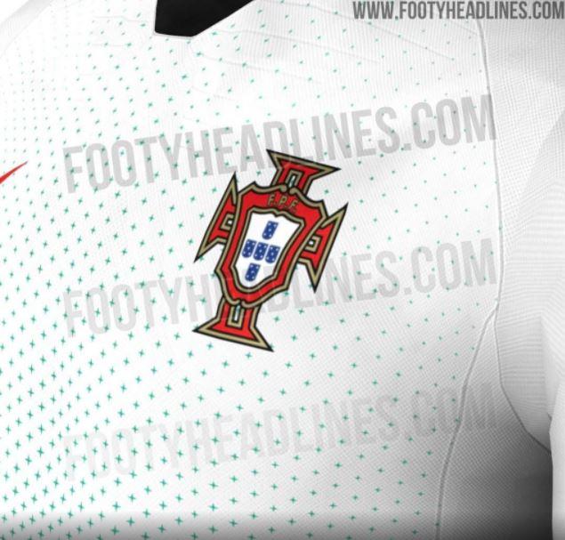 98e9f050a3bea ... à usada pela seleção brasileira na Copa de 2014. É um modelo muito mais  básico que o usado pela seleção na Euro 2016