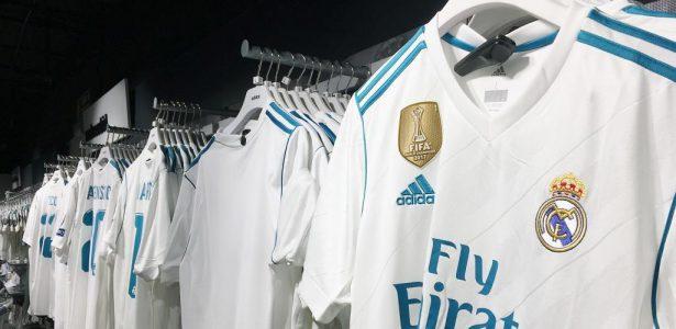 b7d9aa21f2 Real Madrid já vende camisa com novo escudo de campeão mundial - UOL Esporte