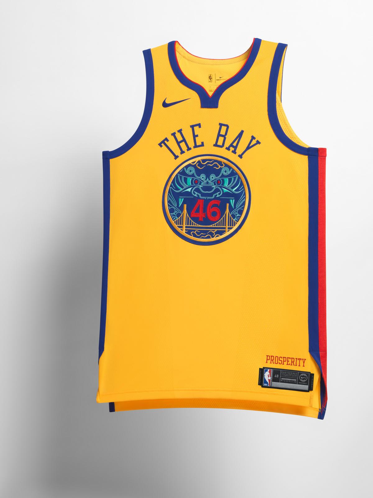 19638a92e8 A NBA aproveitou o fim do ano para apresentar novos uniformes para as 30  franquias. A linha tem como inspiração as cidades que recebem os times da  liga de ...