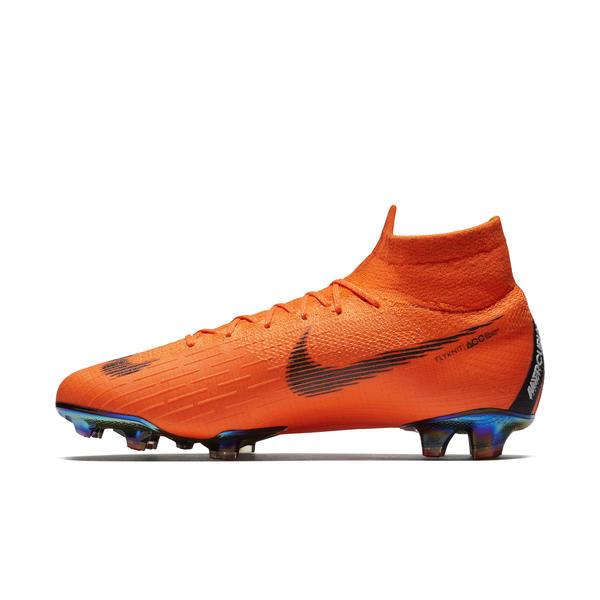 cfd62dd756 Nike apresenta a chuteira que Neymar e C. Ronaldo utilizarão na Copa 2018