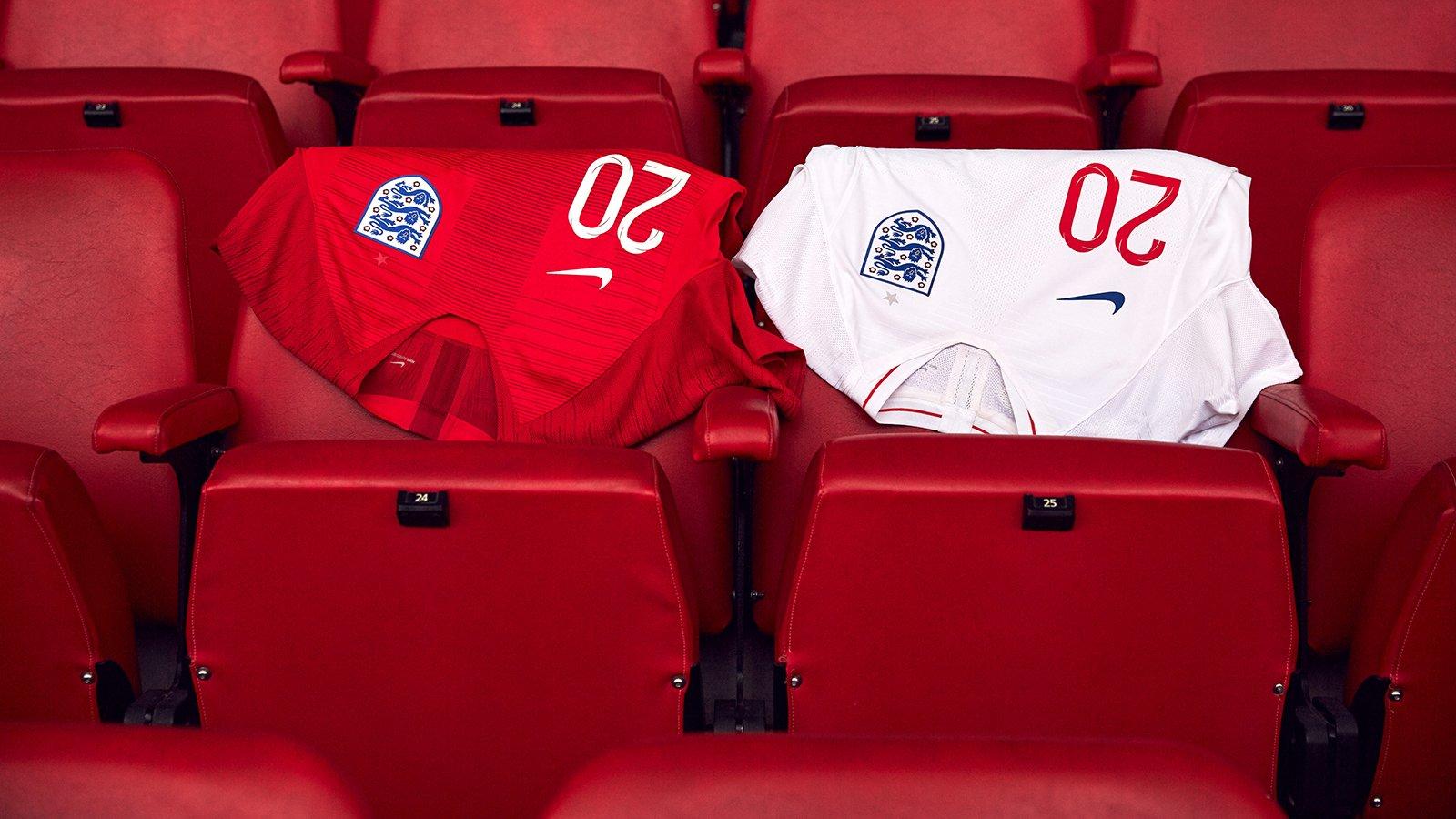 A Inglaterra revelou nesta quarta-feira (7) os uniformes que serão  utilizados pela seleção na Copa do Mundo de 2018 ed9452ae96fdf