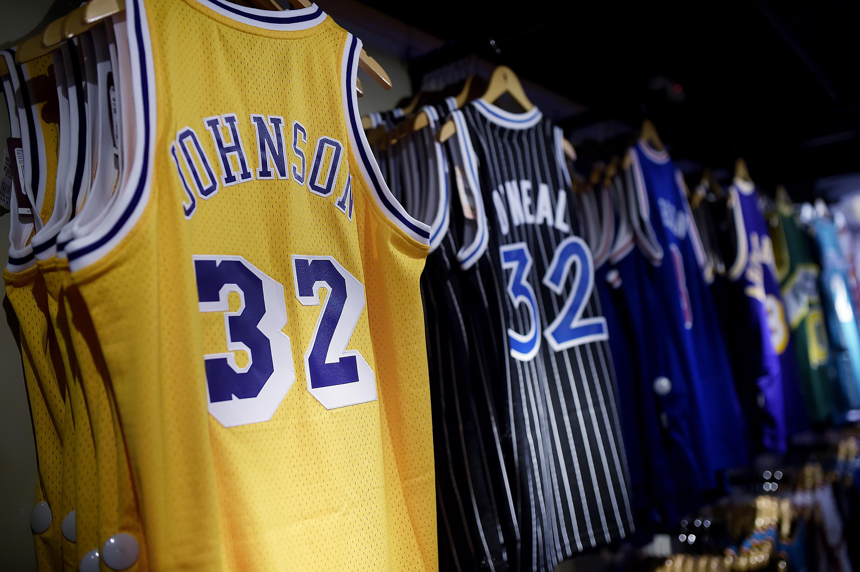 e4f8801f36 A NBA terá pela primeira vez uma loja oficial na cidade de São Paulo. O  local escolhido para comercializar produtos do basquete norte-americano é a  Galeria ...