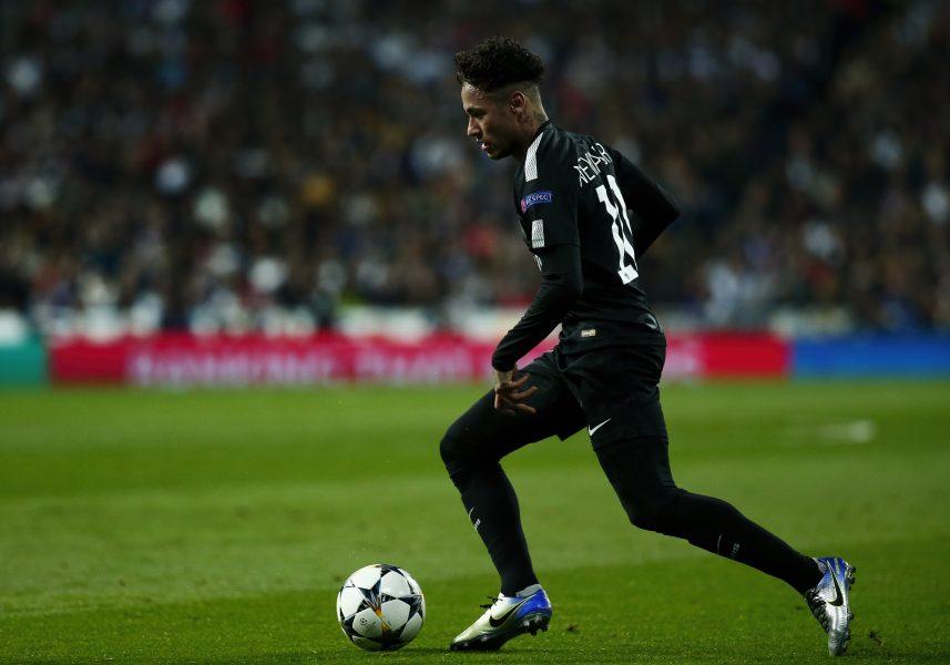 Nova chuteira de Neymar pode ter causado lesão  Não é bem assim - 20 ... 4128831da9b16