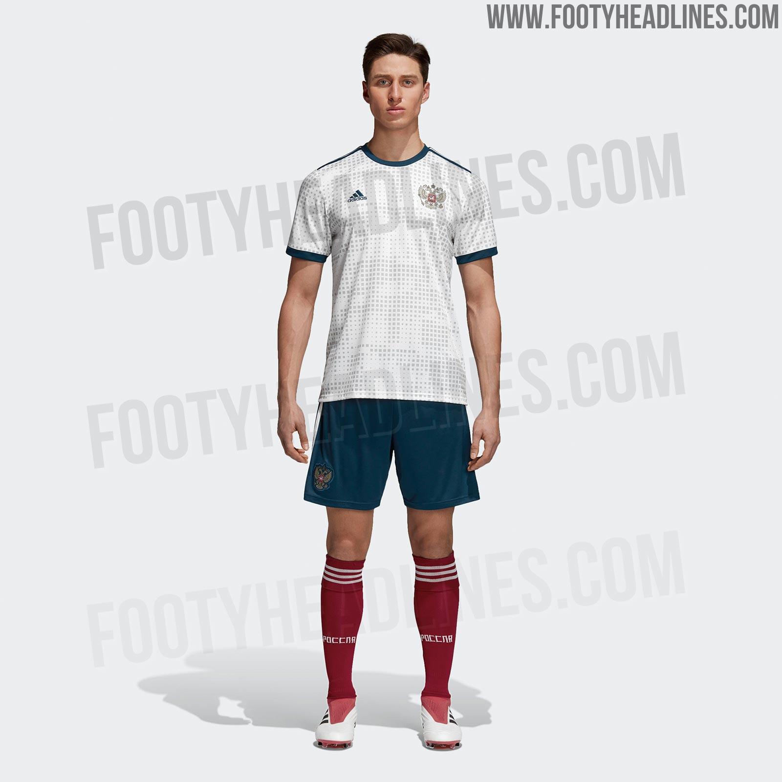 Uniforme reserva da Rússia para a Copa de 2018 (Reprodução Footy Headlines) 864a7bd095a9c