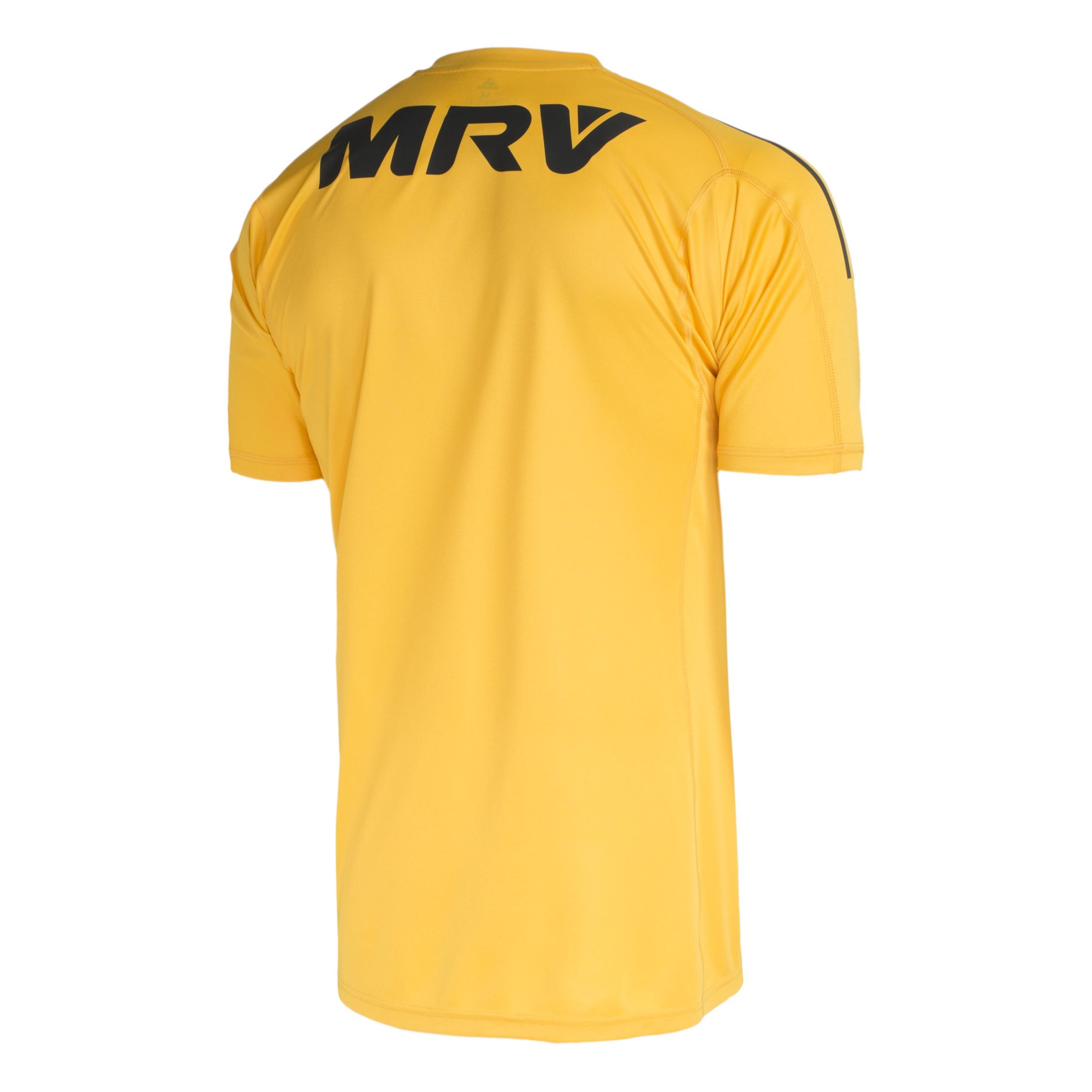 Flamengo estreia camisa amarela de goleiros em jogo neste fim de ... f0b2d6d03cb86