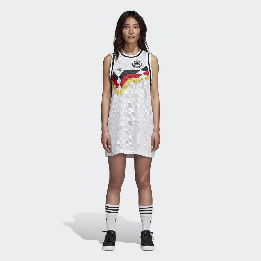 Adidas lança linha de vestidos de seleções da Copa - 20 04 2017 ... e55dd08de0d6d