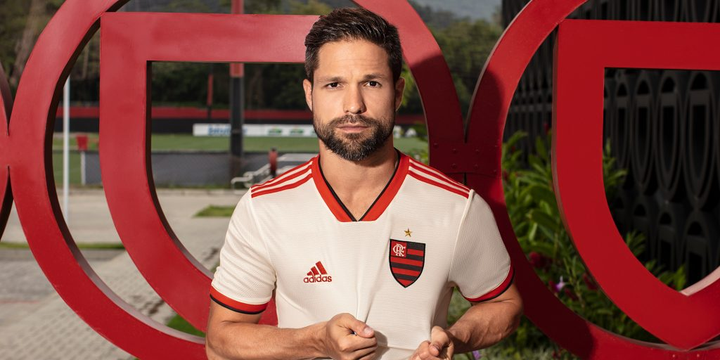 1763bc36d8 Flamengo lança nova camisa 2 e estreia na próxima quinta-feira - 20 ...