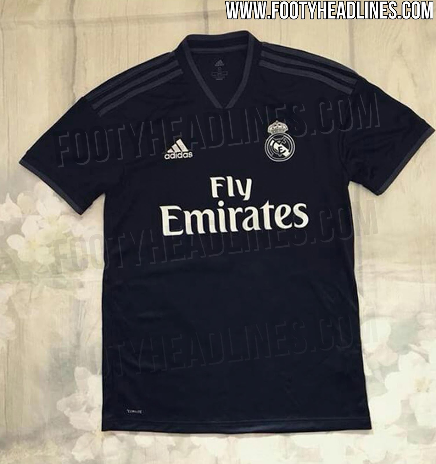 6c79c23d95 Site divulga suposta nova camisa reserva do Real Madrid - 20 05 2005 ...