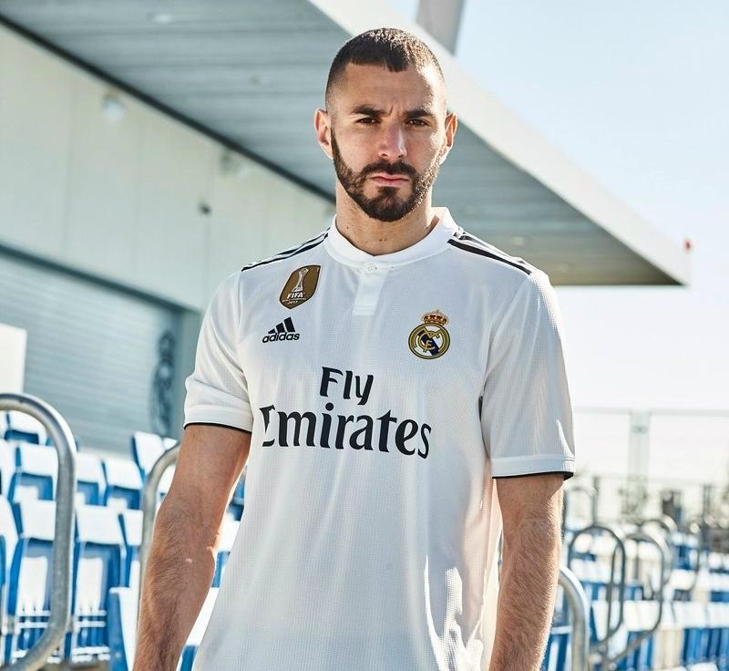 Qual é a mais bonita  Veja a 1ª camisa dos clubes europeus para a ... c1dd6896e264c