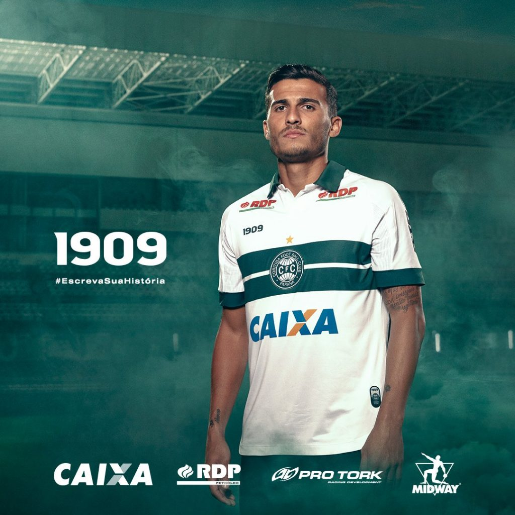 f9645732e9 Coritiba apresenta novos uniformes  marca própria substitui a Adidas ...