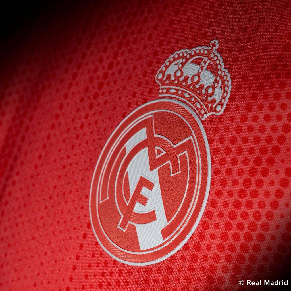 Real Madrid lança terceira camisa feita com plástico reciclável - 20 ... 3b0e4be84f77c