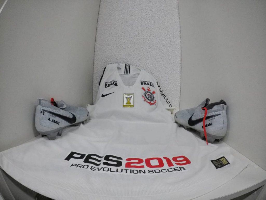 O Corinthians apresentou no Twitter como ficou sua camisa com a  incorporação do nome do novo patrocinador 3d3a677cee08b