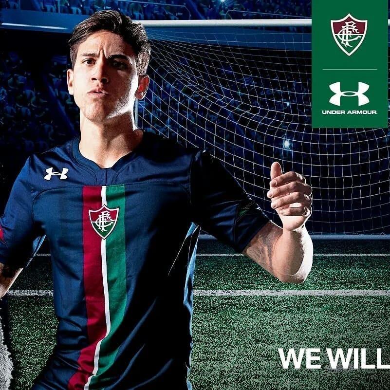 2a69372f0be56 Fluminense divulga terceira camisa na cor azul escura com faixa tricolor