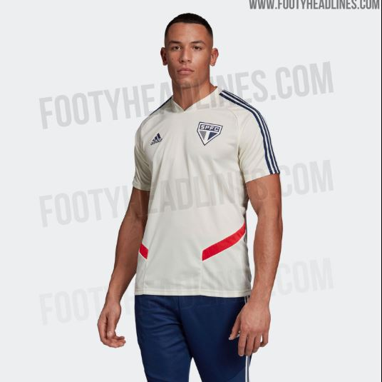 Imagens da suposta nova camisa de treino do São Paulo vazaram e foram  divulgadas pelo site Footy Headlines. O possível uniforme 1 leva um tom  bege como ... 8c7829489c67c