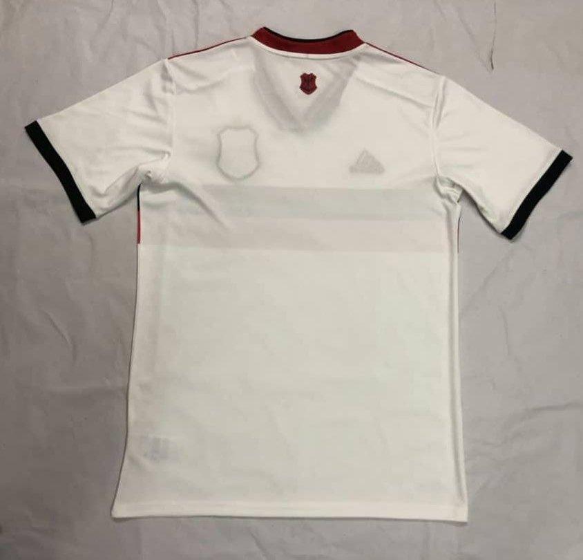 3b3c4ee536 Imagens de possível nova camisa reserva do Flamengo vazam na ...