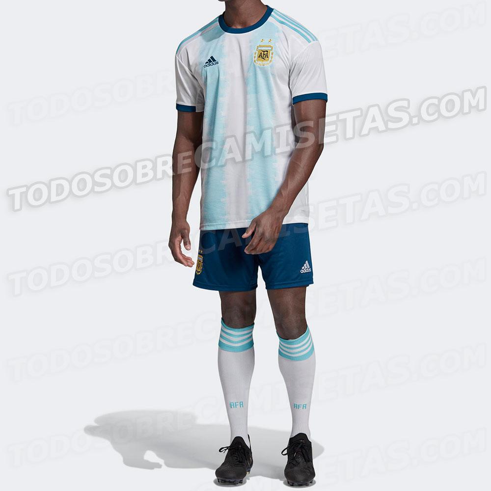 9b4e7a840a752 Imagens da possível camisa da Argentina para a Copa América começaram a  circular nas redes sociais ontem (16). O site