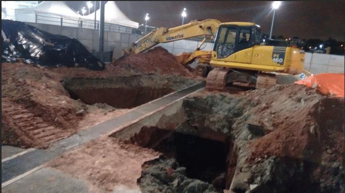 Erosão provocou buraco perto da entrada do setor norte da arena