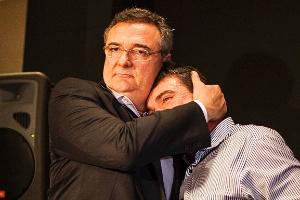 Gobbi e Andrés se abraçando? Em 2012! (Crédito: Leonardo Soares/UOL)