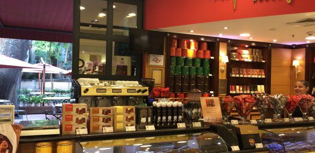 b3fde4420 Confeitarias tradicionais de SP retiram açúcar das mesas para evitar roubo  - Blog do Paulo Sampaio - UOL