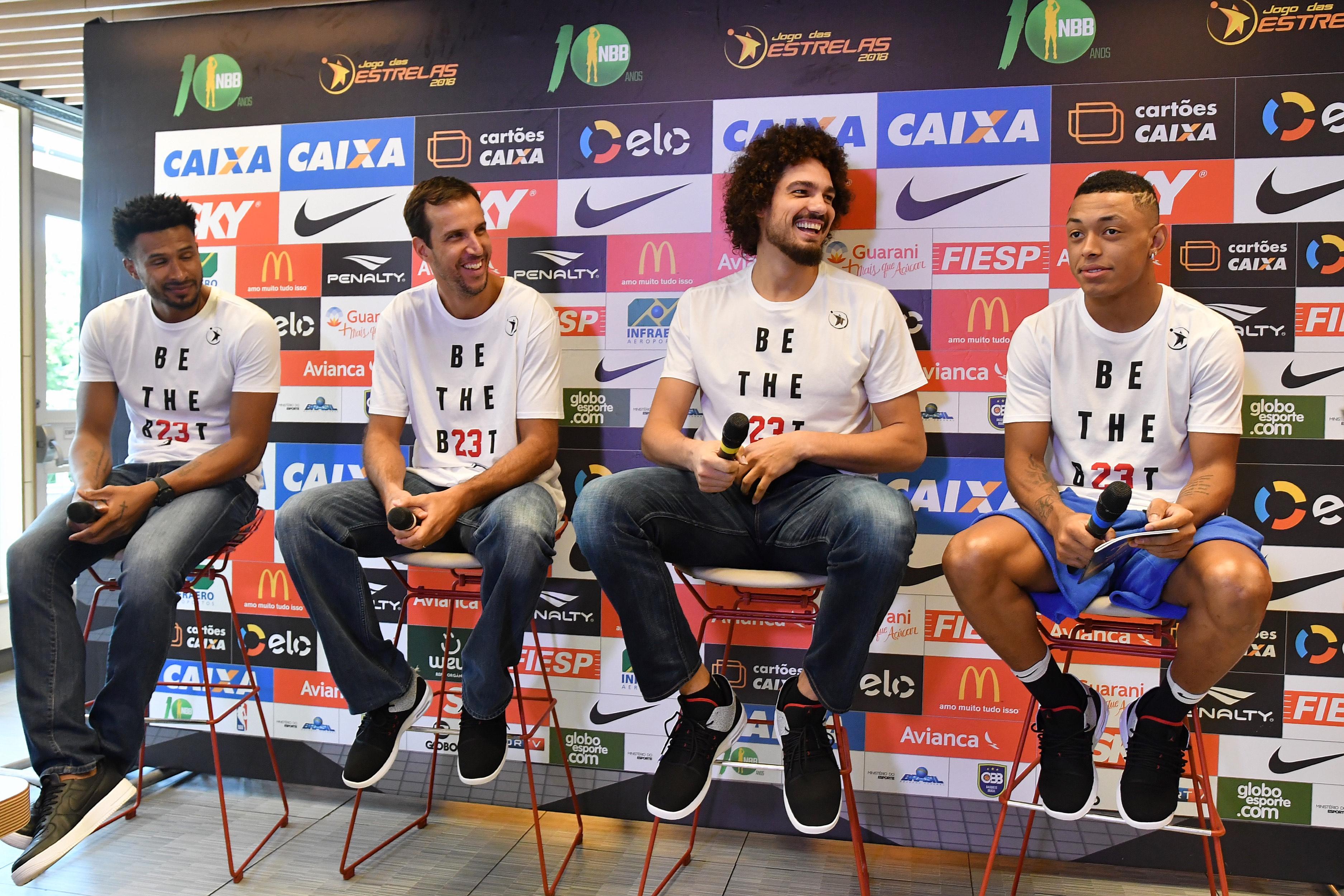 Varejão e Leandrinho sonham em pagar  dívida  de títulos com a seleção 50f8b88d5d3b8