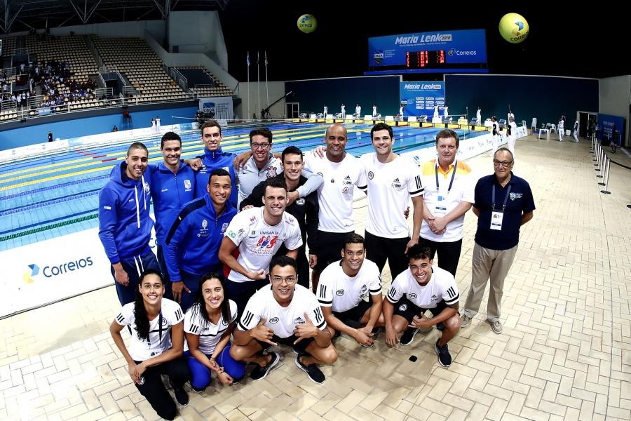 23d97ea9094cb  Geração 2020  supera veteranos e rejuvenesce seleção de natação em 8 anos