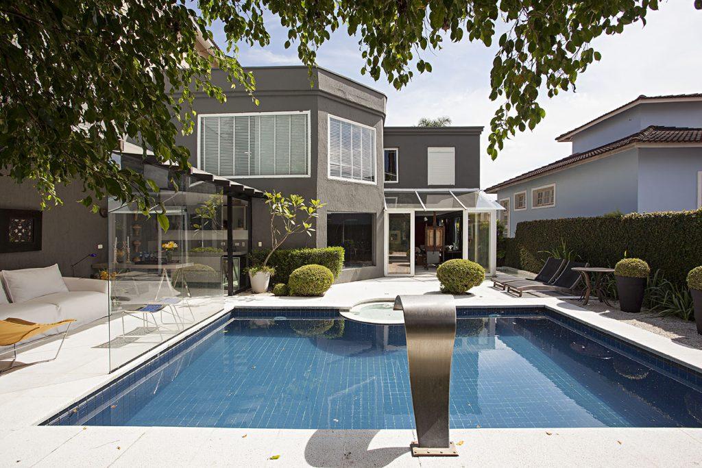 8f37fc99a480a 7 coisas que você precisa saber se sonha em ter uma piscina em casa ...