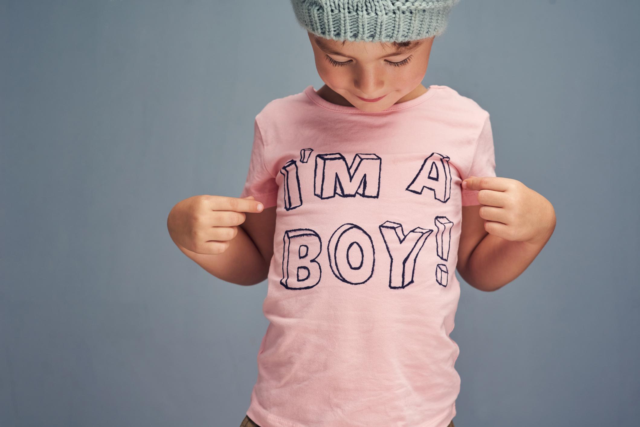1989354a05 Menina usa rosa e menino usa azul