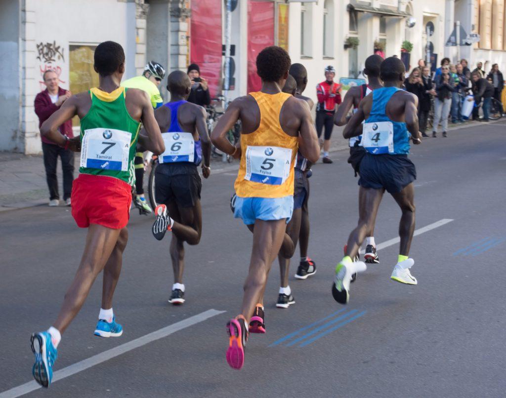 A corrida é democrática  você pode competir ao lado do recordista mundial 173cdb419feb7