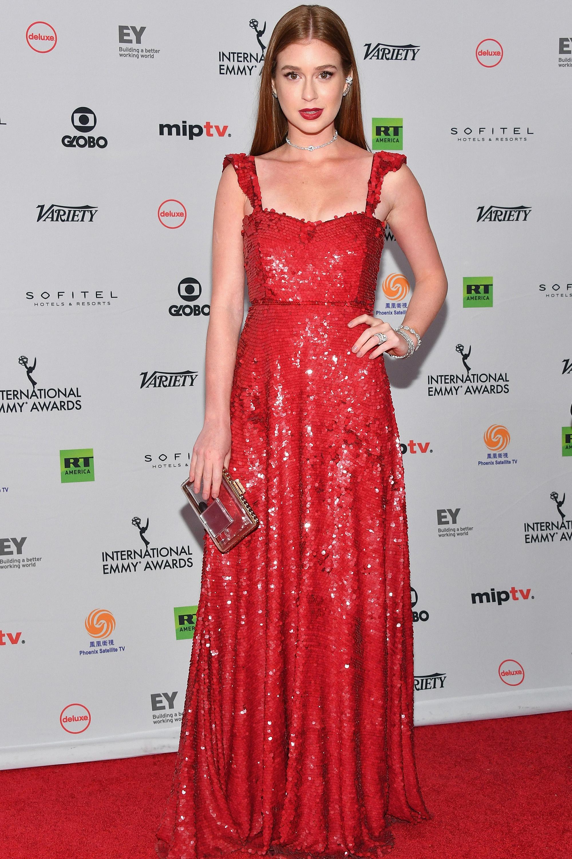 5569c44a01 Confira 10 ideias de maquiagem para usar com vestido vermelho - Tudo ...