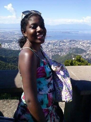 Na foto, Genésia Anastácio, 35 anos, Pedagoga, Professora, Micro Empresária e Vendedora.
