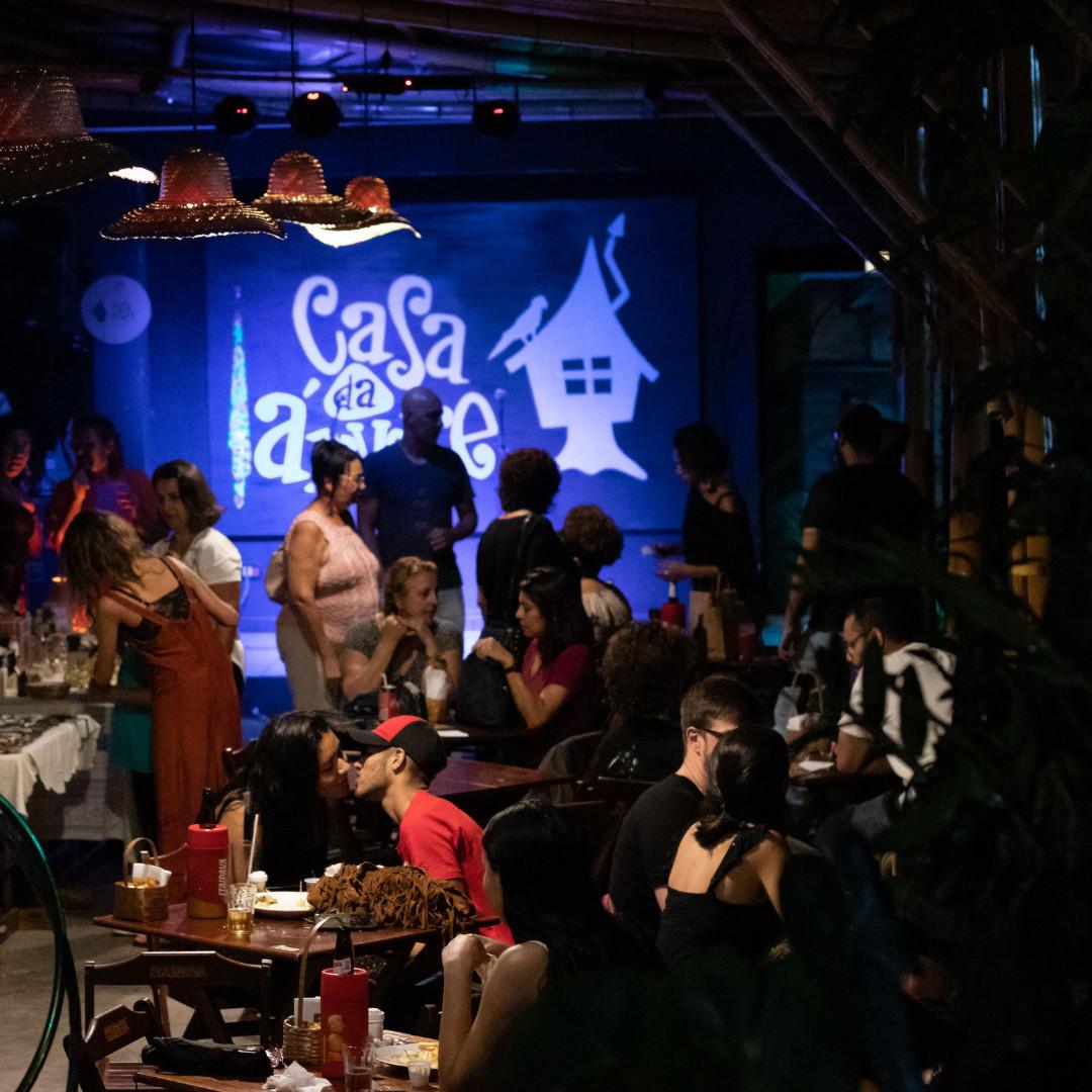 Em Piritubacity fica a Casa da Árvore, um bar e ponto de cultura com intensa programação e comida boa (Foto: reprodução Facebook)