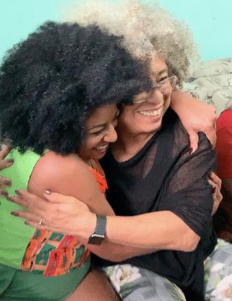 Preta Ferreira e Angela Davis em encontro emocionante (Foto: Reprodução)