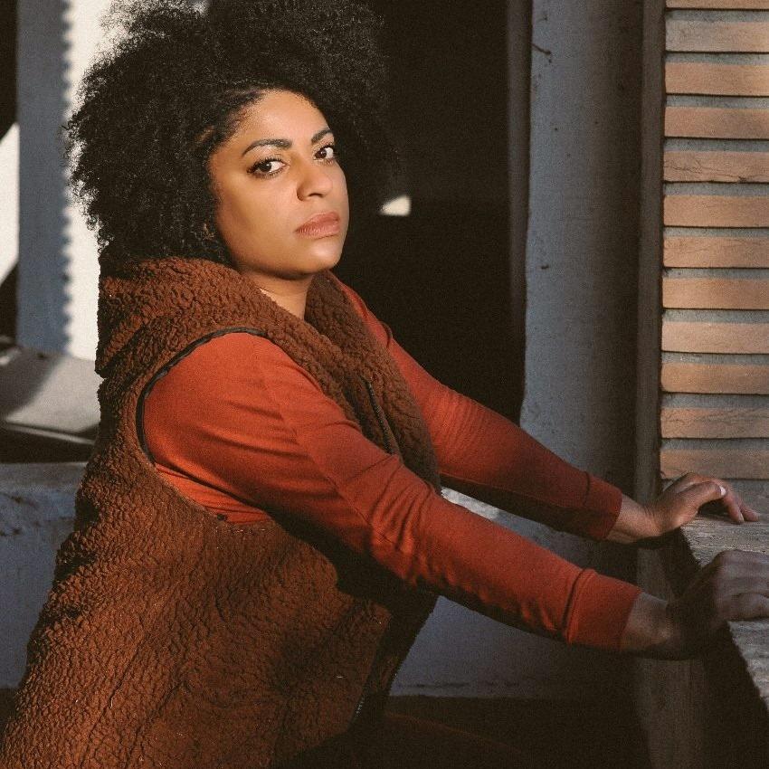 A cantora Preta Ferreira, do Movimento Sem-Teto do Centro (MSTC), depois de mais de 100 dias presa, teve habeas corpus concedido pela Justiça (Foto: Reprodução Facebook)