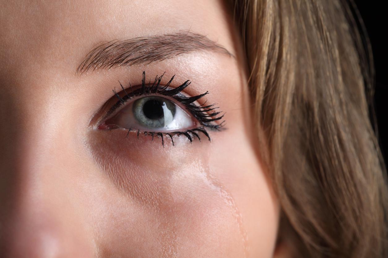 237f94824 Vive lacrimejando? Esse é um dos sinais de um problema sério: olhos ...