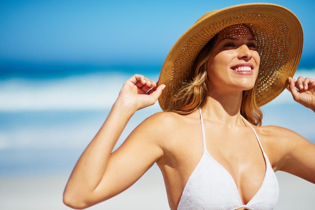 Invista em um arsenal para aumentar a proteção da sua pele no verão ... 7538f683c0