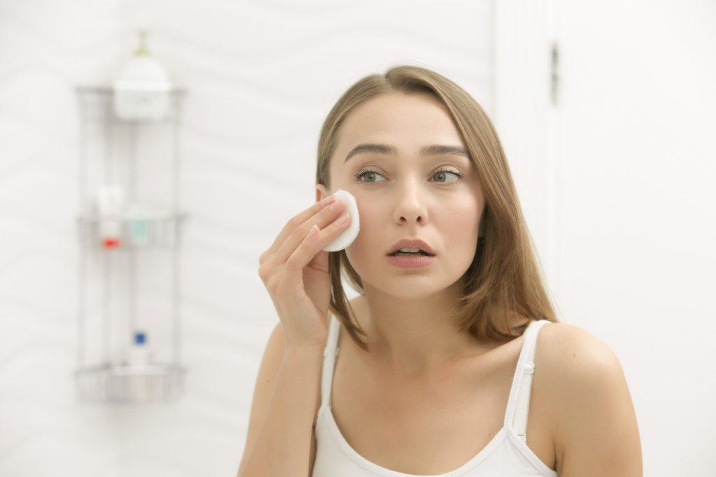 Rosácea  saiba o que é e como tratar a inflamação crônica na pele ... 13d6ae4080