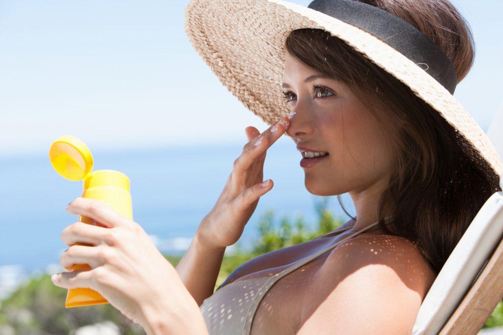Quais as vantagens do protetor solar com pigmento  Ele substitui maquiagem  4139db06ad